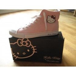 Baskettes Hello Kitty by Victoria Couture rose T41