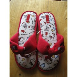 Chaussons Hello Kitty blancs et rouges T 40-41