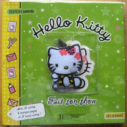 "Livre Hello Kitty educatif ""Hello Kitty fait son show"" 15x15cm"