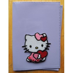Porte passeport Hello Kitty mauve en PVC